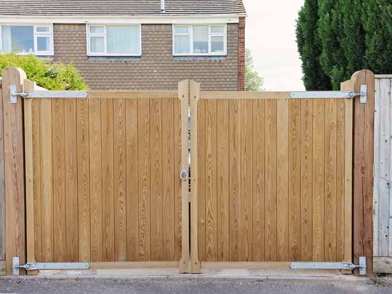 fencing gloucestershire